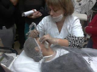Mar Diaz y su técnica de cejas pelo a pelo