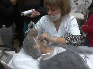 Mar Díaz en México: su técnica de cejas pelo a pelo