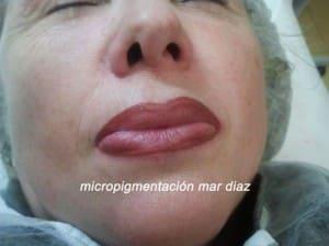 Perfilado de labios con maquillaje permanente