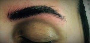 Como queda la ceja recién tatuada